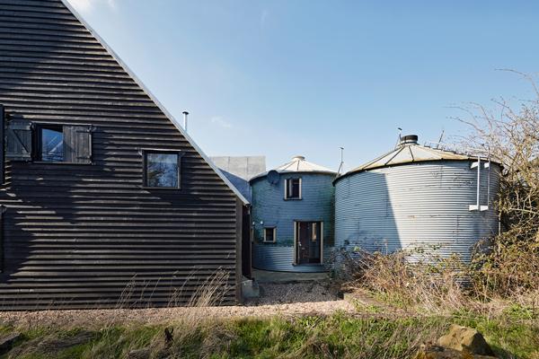 Joakim-Boren-Feeringbury-Barn-14-600x400