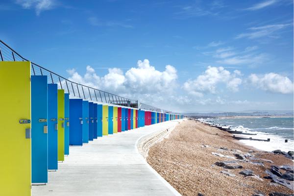 Snug-Architects-Milford-on-Sea-Beach-Huts-©Martin-Gardner-1-600x400